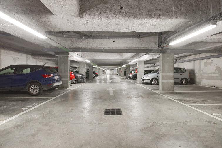 Parking Stade Racine - Rue Villeneuve - Clichy Clichy