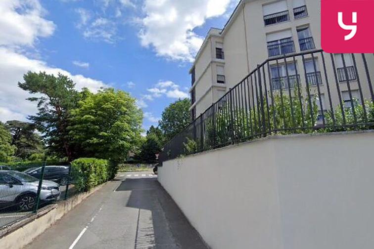 Parking Centre-ville - Rue de Versailles - Le Chesnay en location