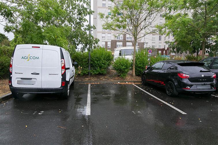 Parking Collège Departemental Georges politzer - Dammarie-les-Lys en location