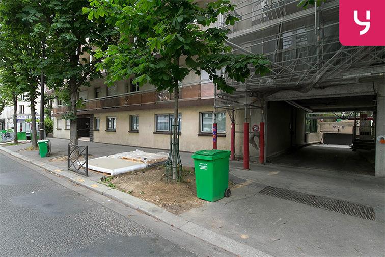 Parking Rue de Belgrand - Métro Porte de Bagnolet - Paris 20 (place moto) 177 rue de Bagnolet