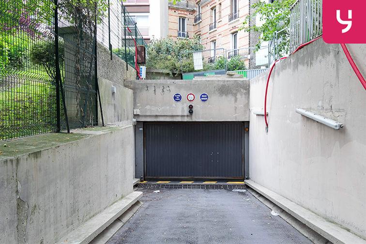 Parking Rue de Belgrand - Métro Porte de Bagnolet - Paris 20 (place moto) sécurisé