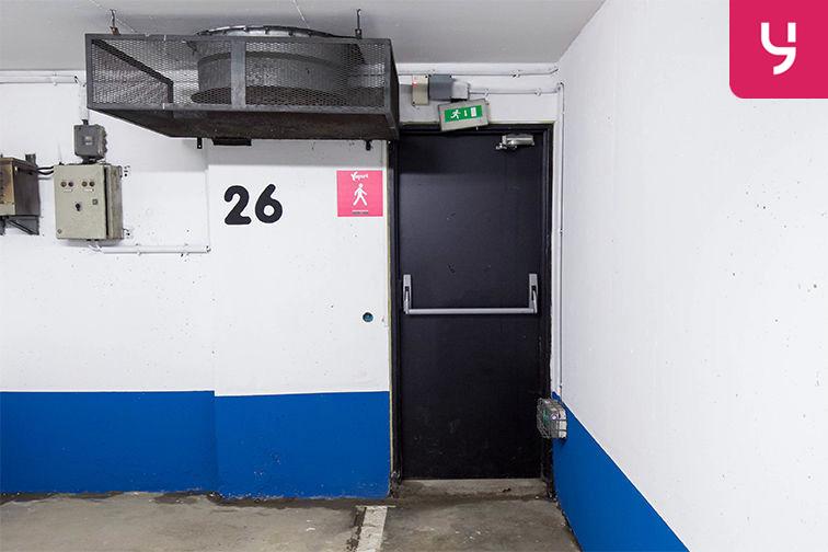 Parking Rue de Belgrand - Métro Porte de Bagnolet - Paris 20 (place moto) 24/24 7/7