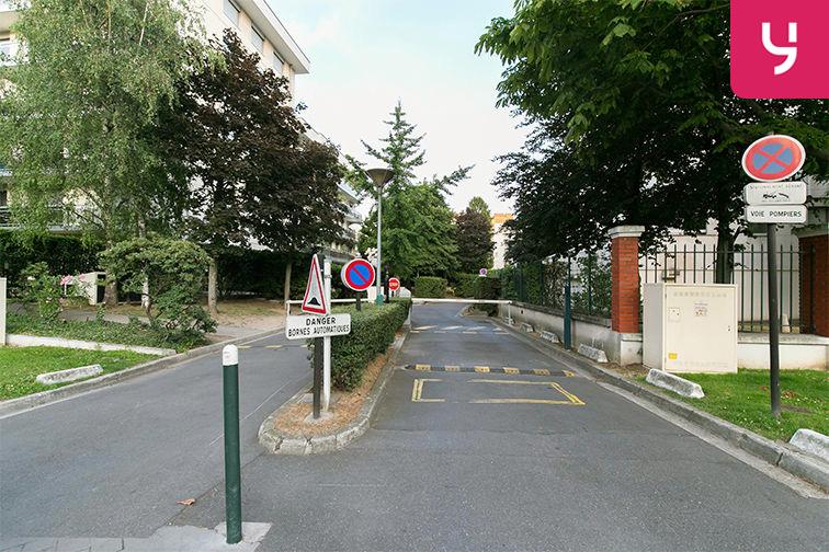 Parking Boulevard General Leclerc - Neuilly-sur-Seine (place moto) location mensuelle