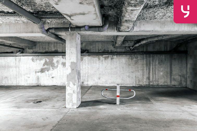 Parking Centre commercial - Pontault-Combault (place moto) location mensuelle