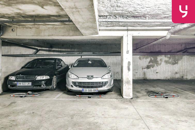 Parking Centre commercial - Pontault-Combault (place moto) caméra