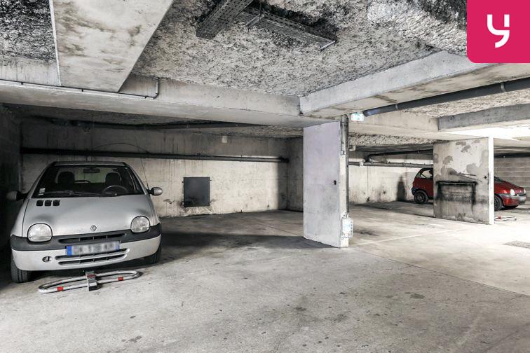 Parking Centre commercial - Pontault-Combault (place moto) souterrain