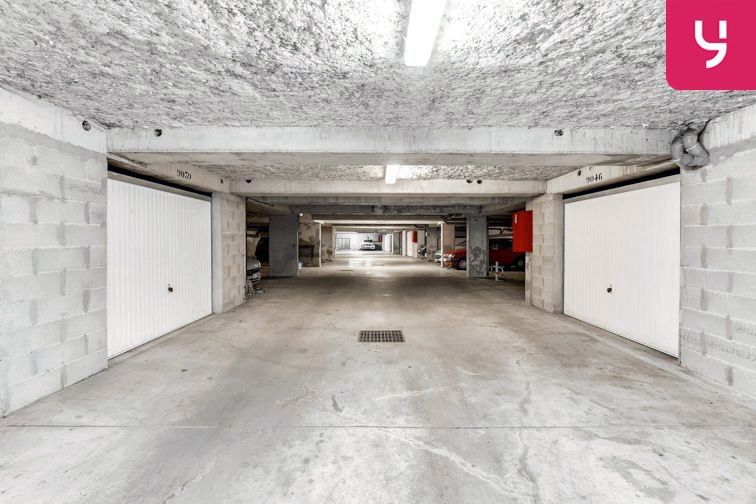 Parking Centre commercial - Pontault-Combault (place moto) garage
