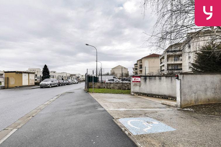 Parking Centre commercial - Pontault-Combault (place moto) box