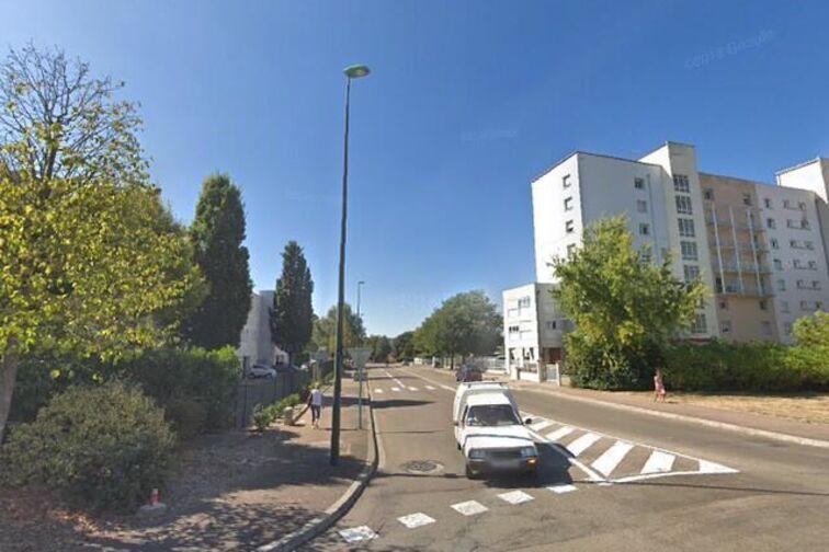 location parking Stade Claude Pitou - Saint-Sauveur - Sens - (box)