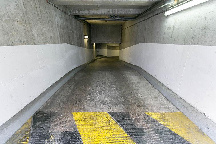 Parking Centre commercial Bercy 2 - Charenton-le-Pont sécurisé