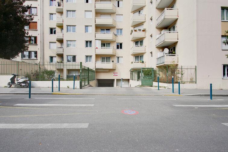 Parking Rue de Moscou - Métro Hoche - Pantin location mensuelle