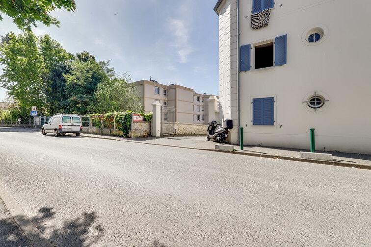 Parking Mairie de Crosne 15 rue de la Glacière