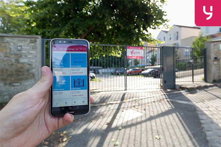 Location parking Gare de Maisons Laffitte - Rue du Mesnil - Maisons-Laffitte (aérien)