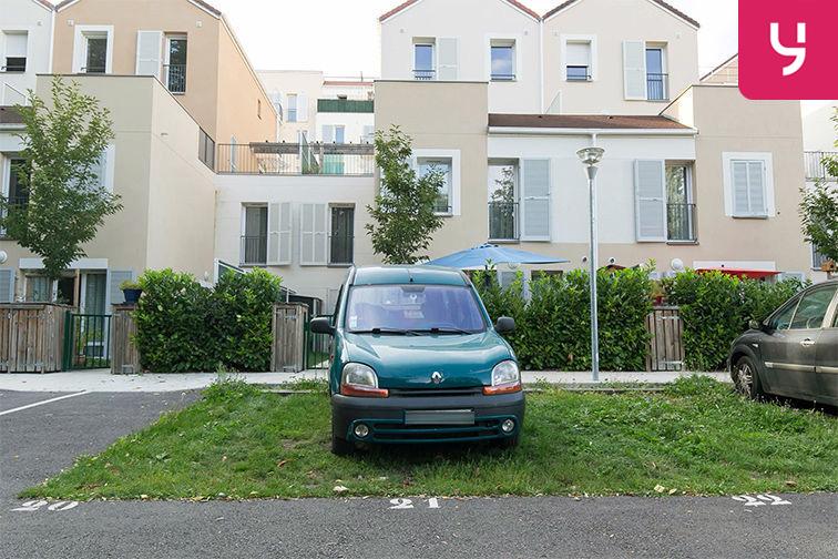 Parking Gare de Maisons Laffitte - Rue du Mesnil - Maisons-Laffitte (aérien) 78600