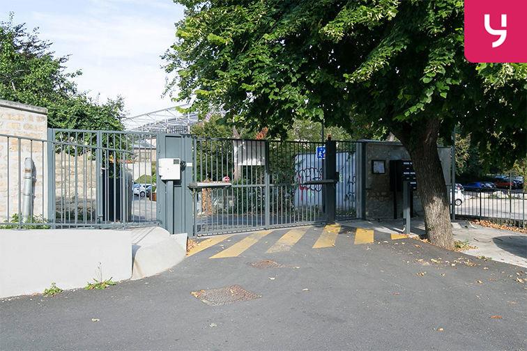 Parking Gare de Maisons Laffitte - Rue du Mesnil - Maisons-Laffitte (aérien) en location