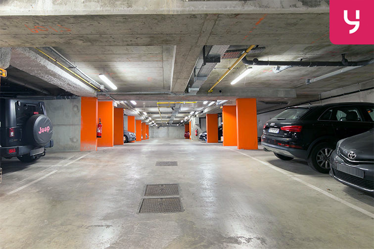 Parking Gare de Maisons Laffitte - Rue du Mesnil - Maisons-Laffitte (place double) location