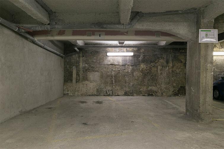 Parking Departement - Marx Dormoy (droite) à louer