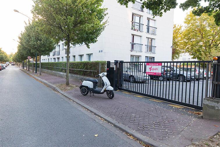 Parking Ecole Primaire La Pie Saint Maur - Saint-Maur-des-Fossés sécurisé