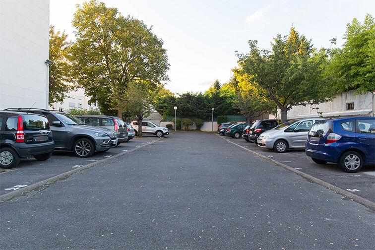 Parking Ecole Primaire La Pie Saint Maur - Saint-Maur-des-Fossés 24/24 7/7
