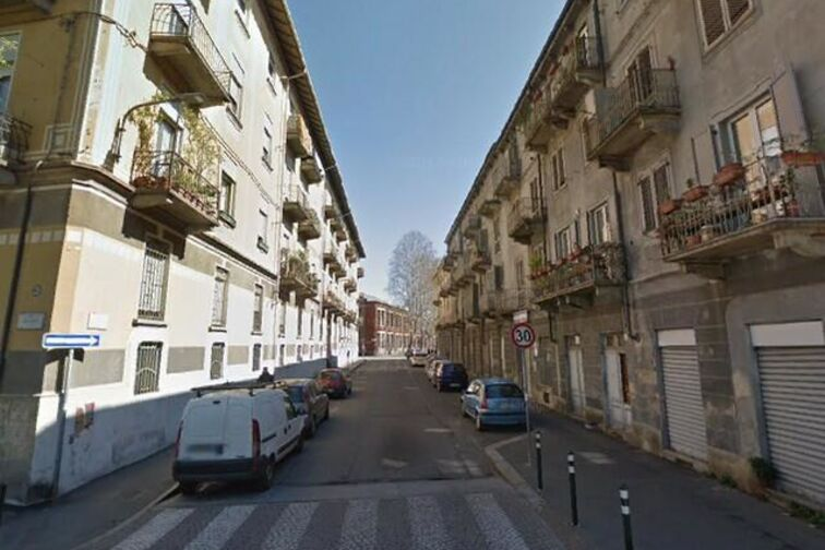 Via Cuneo a Torino nel quartiere di Aurora dove si trova il parcheggio Yespark