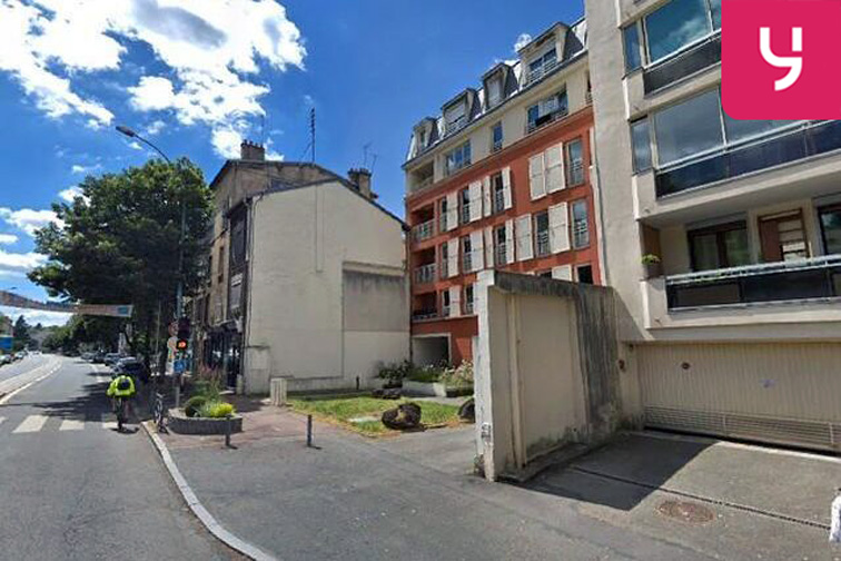 Location parking Avenue Roger Salengro - Chaville (place double)