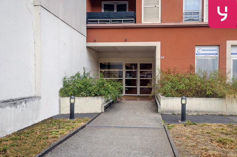 Parking Avenue Roger Salengro - Chaville (place double) location