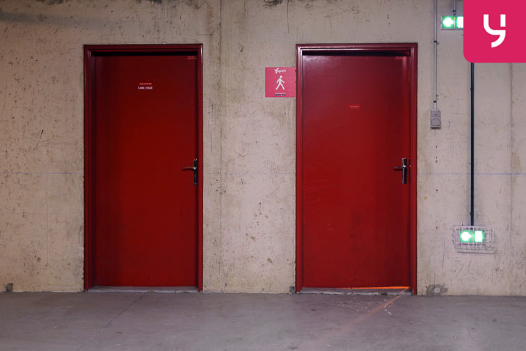 Parking Avenue Roger Salengro - Chaville (place double) gardien