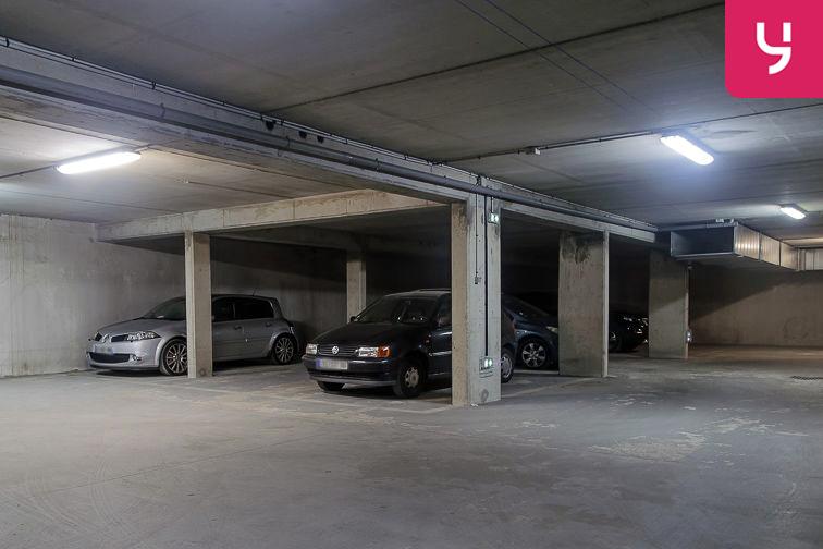 Parking Avenue Roger Salengro - Chaville (place double) 24/24 7/7