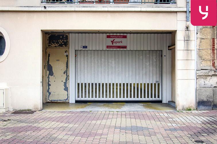 Parking Église Saint-Antoine de Padoue - Rue de Versailles - Le Chesnay (place double) location