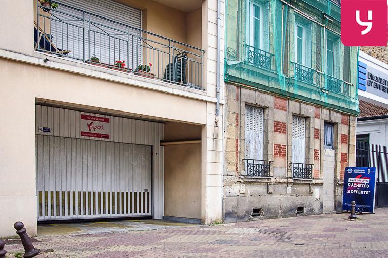 Parking Église Saint-Antoine de Padoue - Rue de Versailles - Le Chesnay (place double) box