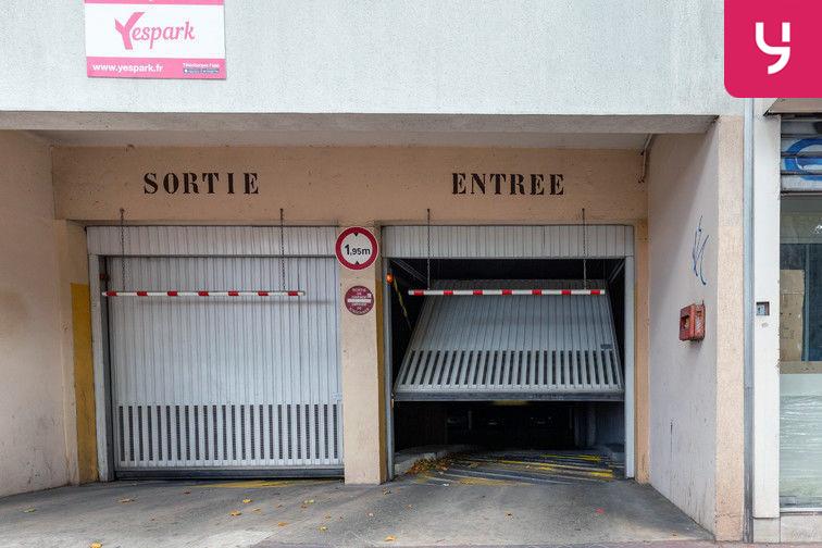 Parking Métro Châtillon Montrouge (place moto) pas cher
