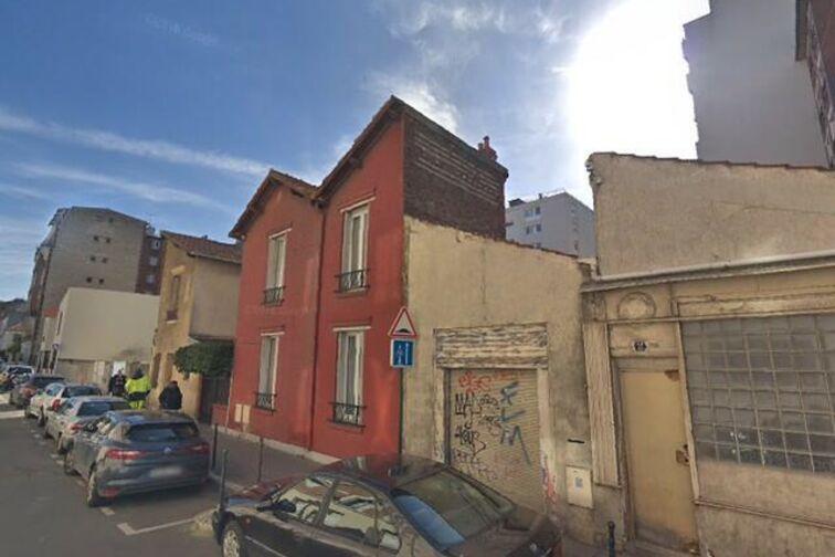 Parking Lycée Auguste Renoir - Argenteuil - Asnières-sur-Seine pas cher