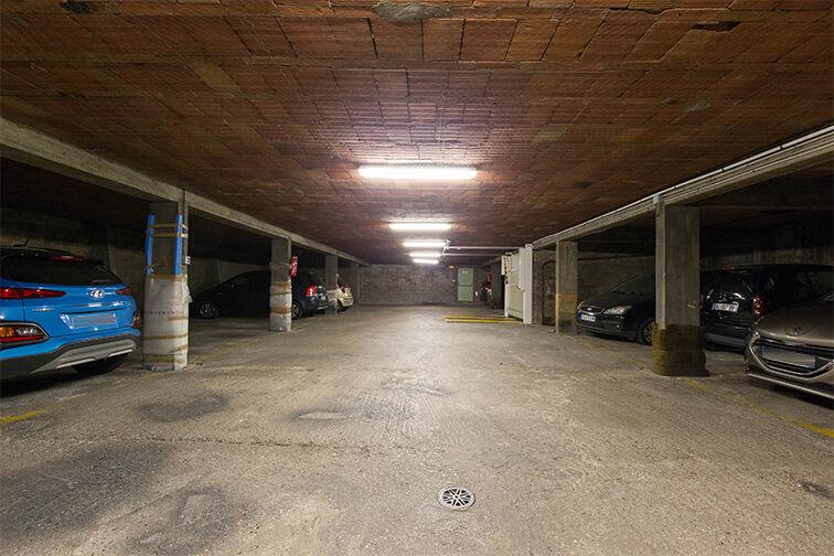 Parking Cimetière de Vanves - rue Sadi Carnot - Vanves box