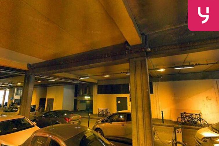 Parking Arrêt de tramway Suresnes Longchamp 24/24 7/7