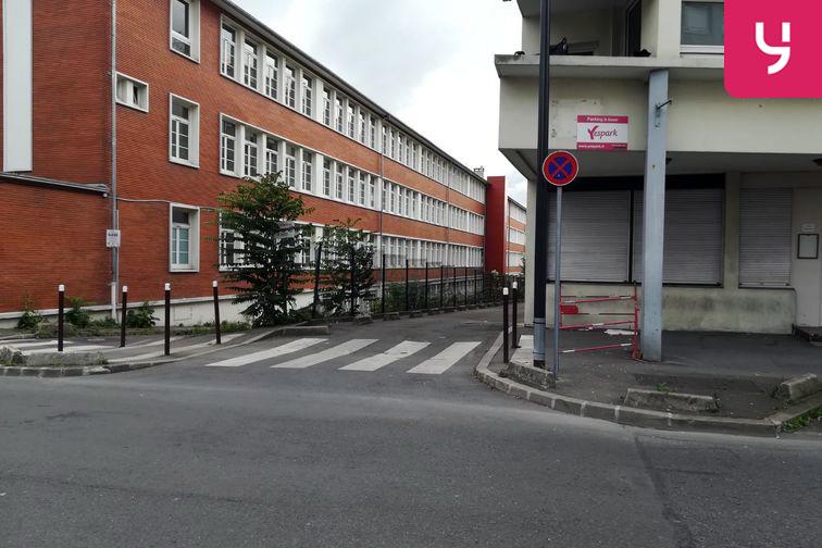 location parking Gare de Stains-Cerisaie