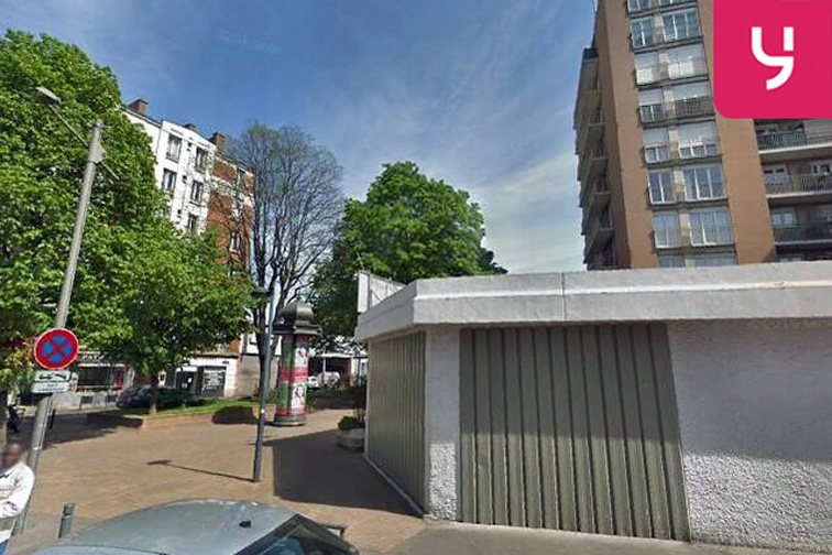 Parking Collège Michelet - Porte de Clignancourt - Saint-Ouen Saint-Ouen