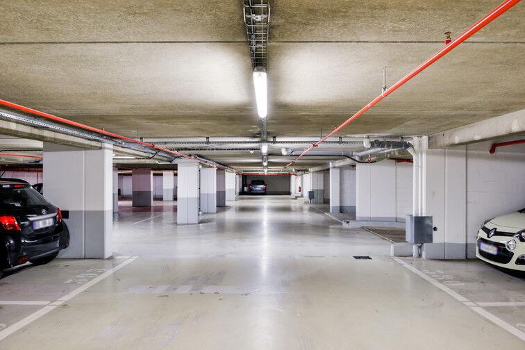 Parking Arrêt Inovel Parc Nord - Vélizy-Villacoublay box