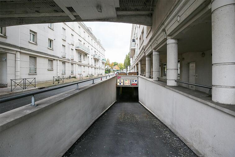 Parking Gare d'Argenteuil - Eaubonne pas cher