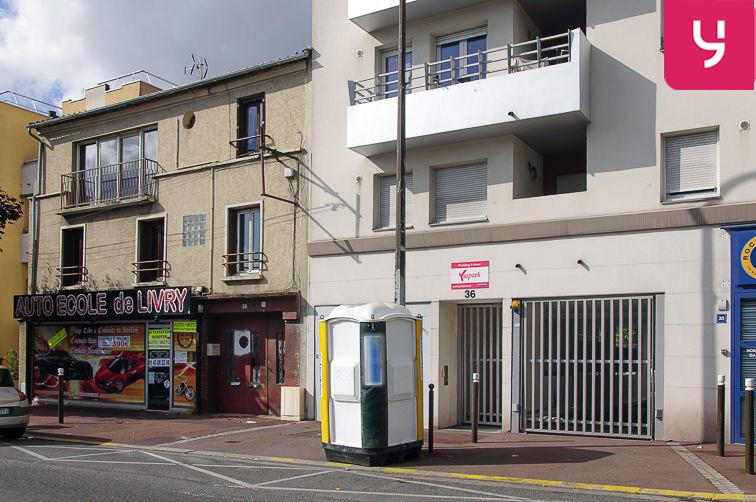 Parking Centre-ville - Livry-Gargan (aérien) garage
