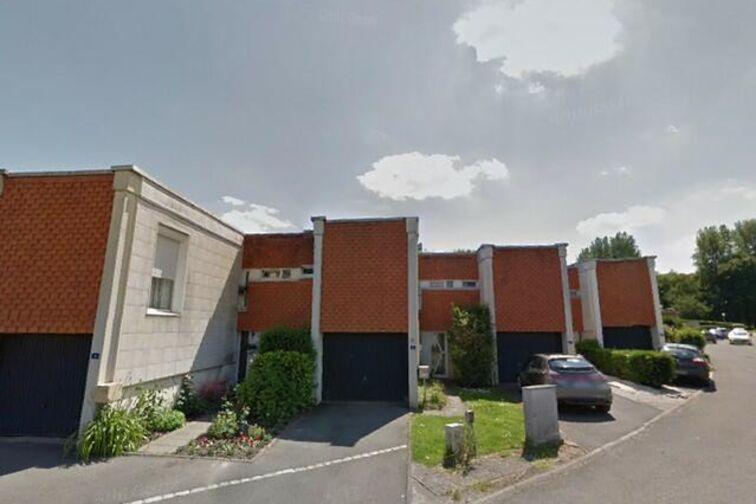 Parking Salle Marcel-Cerdan - Allée des Cinq Tailles - Villeneuve-d'Ascq - Parking Souterrain à louer
