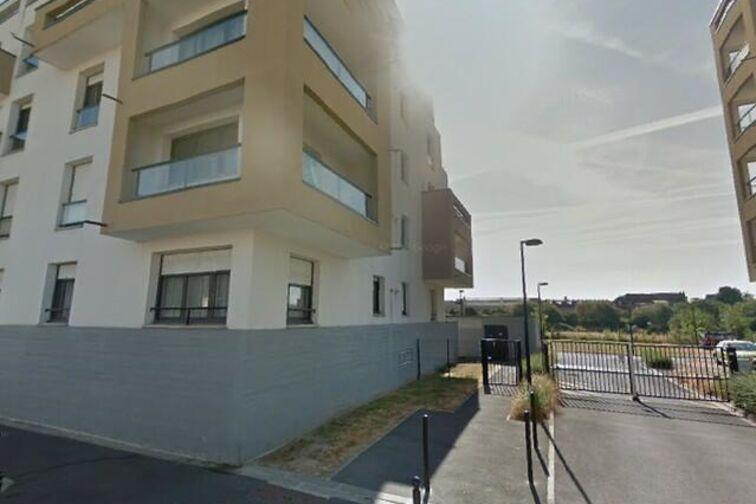 Parking Place des Tilleuls -Sainte-Hélène - Saint-André-Lez-Lille (aérien) avis