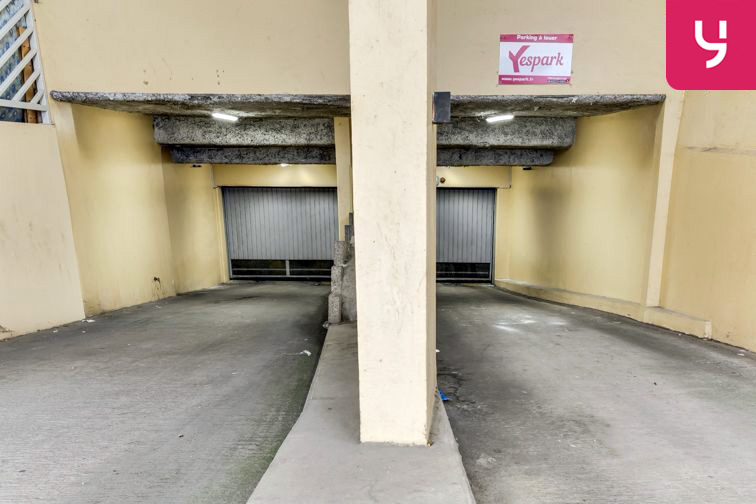 Parking Charpennes - Villeurbanne (place moto) souterrain