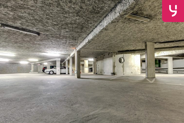 Parking Charpennes - Villeurbanne (place moto) Villeurbanne