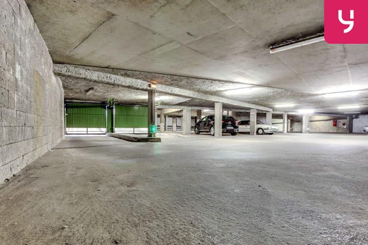Parking Charpennes - Villeurbanne (place moto) 24/24 7/7