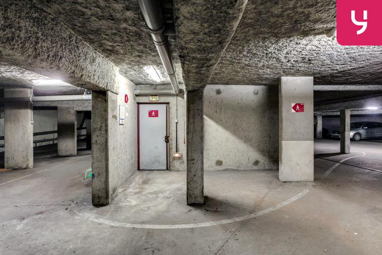 Parking Charpennes - Villeurbanne (place moto) gardien