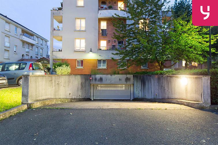 Parking Médiathèque Boris Vian - Avenue Georges Brassens - Chevilly-Larue (place double) en location