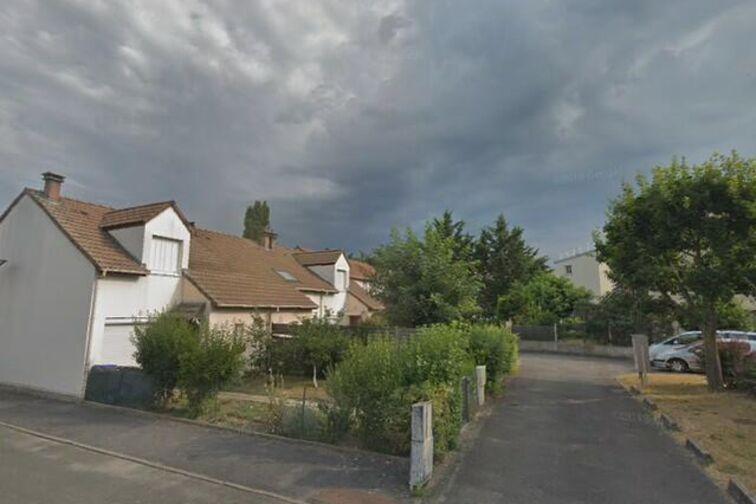 Parking Centre Municipal de Loisirs Jacques Tati - Maurice Carrard - Achères (box) garage