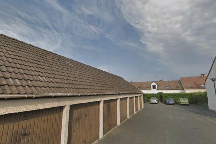 Parking Centre Municipal de Loisirs Jacques Tati - Maurice Carrard - Achères (box) sécurisé