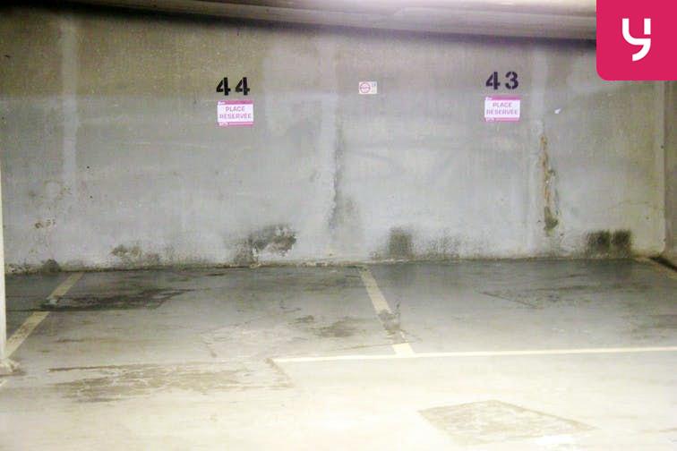 Parking André Citroën - Cauchy 75015