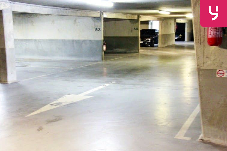 Parking André Citroën - Cauchy location